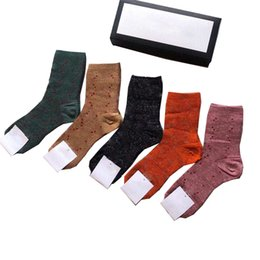 Wholesale couple cotton underwear for sale - Group buy Mens Womens Sport Socks Cotton Men Underwear Basketball Sock Couple Letter Long Stocking pairs With Box