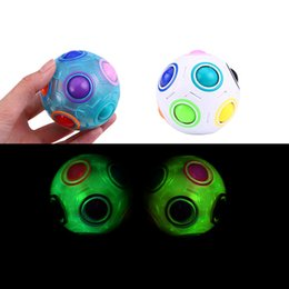 Decompressione giocattolo antistress cubo luminoso arcobaleno palla puzzle calcio magico magico educativo apprendimento giocattoli per bambini per bambini adulti per bambini stress reliever irreggings in Offerta