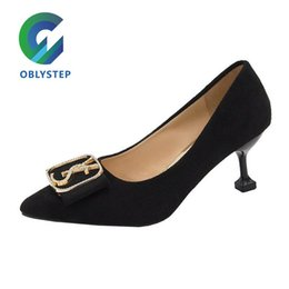Wholesale dress codes resale online - Women s Articles Economic Code Yuya Hundred Towers Low Detail High Stiletto Heels Waterproof Dress Shoes