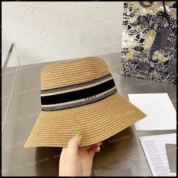 Designer di lusso Cappelli cappelli da uomo Secchio da sole cappello cappello cappello berretto Berretto da donna vacanze estive Strawhat Casquette Snapbacks Berretti Fedora Fedora Cappucci in Offerta