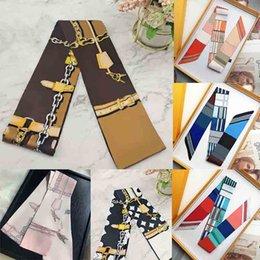 Женщины CRAVAT Унисекс шелковый шарф классическая сумка шарф повязки женщин писем шелковые шарфы бандосу сумка волосы геометрические принты высокого качества на Распродаже