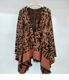 Высокое качество Свободные вязаные шерстяные одеяло Горячие Продают Женские Кейп и Пончо Письмо Tassels Cloak Poncho Cape Wearwear Part Part Bree Shipp на Распродаже