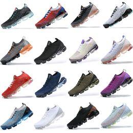 Classic Fashion 2019 Flykknit 2.0 Löpskor Triple Black Designer Män Kvinnor Sneakers Flyga Vit Sticka Kudde Trainer Zapatos 36-45 EUR