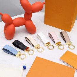 Wholesale Maxi Dragonne Key chain Buckle lovers Car Keychain Handmade Leather Designers Keychains Men Women Bag Pendant Accessories 17 Color no Bok