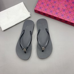 ladies pink beautiful shoes 2021 - 2021 Paris Womens Slippers Beautiful Scuffs Shoes Summer Sandals Beach Slides Slippers Ladies Flip Flops Loafers Sexy Black Navy Embroidered jm0319