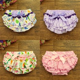 Wholesale Summrer New baby cotton tassel bloomers Infant Chevron Satin Bloomers cute baby shorts girls chevron pants baby diaper cover 852 V2