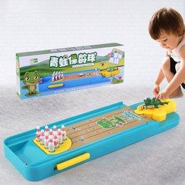 Venta al por mayor de Mini Desktop Bowling juego Toy Funnor Indoor Padres-Child Tabla Interactiva Juegos de deportes Juguetes Tocados Regalo educativo para niños