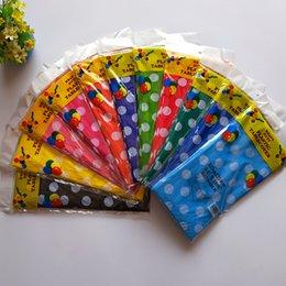 Venta al por mayor de Tabla de fiesta de cumpleaños desechables para baby shower Cubiertas de plástico Dot Mantel para la decoración del hogar