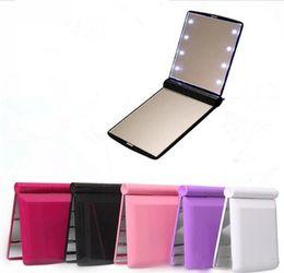 Опт Desktop Portable 8 Светодиодные световые зеркала Compact Hears Hears Make Up Mirror
