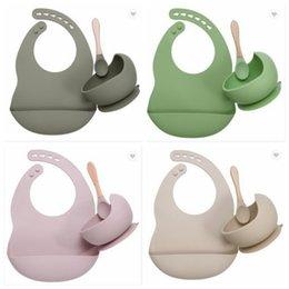 Venta al por mayor de Juego de alimentación de bebé BIBS de silicona de grado alimenticio Placa de niño Sin Silp Suction Bowl Niños Vajilla Impermeable BIB BPA 2 unids / set zyy208b