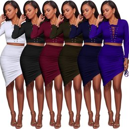Lycra V Cou Manches Longues Pas Cher-Sexy Asymétrique Deux Pieces Robe D'hiver Femmes Punk Lace Up Deep V Neck Manches Longues Crop Top Haute Jupe Ensemble Robes De Fête