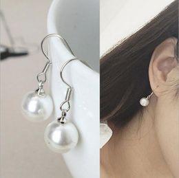 3babc3ecc0fd Joyería de moda de calidad superior 925 plata esterlina pendiente plateado  8 mm gota de perla natural cuelga gancho pendientes Anillos de oreja Ear  Studs ...
