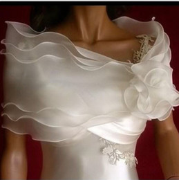 China Off Shoulder Chiffon Bolero Jacket Bridal Shrug Bride Wraps Wedding Dress Accessories Favors With Hand Made Flowers supplier making wedding dress bolero suppliers