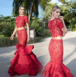 Tarik Fleur Rouge Pas Cher-2016 Tarik Ediz Red Two Pieces Robes de soirée Bateau Neck manches courtes Mermaid Tiered Satin Cour Flower Handmade train Pageant Robes