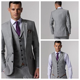 Barato Terno Azul Do Baile De Finalistas-Custom Made High Quality Groom Tuxedos Slim Fit Light Grey Slit Side para Groomsmen Casacos de casamento para homens (Jacket + Pants + Tie + Vest) Top Sale