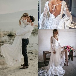 Sheath romantic wedding dreSSeS online shopping - Primrose Vintage Lace Bohemian Country Long Sleeve Wedding Dresses Romantic Backless Sweep Train Garden HIPPIE Beach Bridal Dress