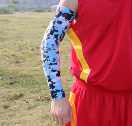 Manches De Bras À Vendre Pas Cher-2015 Vente !!! Commande échantillon 8pcs Moisture Wicking Compression Sports Arm Sleeve Digital Camo Baseball Flames