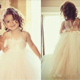 $enCountryForm.capitalKeyWord Canada - 2020 First Communion Dresses Off Shoulder Tulle Cute Lace White Flower Girl Dresses For Weddings Cheap Kids Dresses Cardigan