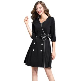 Barato Vestido Preto De Borda Branca-Frete Grátis 2017 Fashions Womens V Neck White Edge Splicing Black Double-breasted Fastener Authentic Dresses Saias QC832