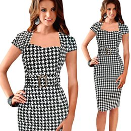 Robe Noire Élégante Au Crayon Pas Cher-Elegant Plaid Work Dress Cuir carré à manches courtes Prom Party Bodycon Crayon Robe Orange Black Plus Size Longueur au genou Celebrity Dresses OL088