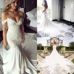 Barato Casamento Detalhe-Off Shoulder Lace Bordado Detalhe Mermaid Wedding Dresses 2018 Modest Cathedral Train Elegant Beach Garden Castelo Vestidos de casamento Fishtail