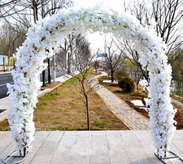 Upscale Wedding Centerpieces Metal Arch Door Hanging Garland Flower Stands With Cherry Blossoms For Favors Party Decoration