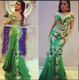 Barato Comprimento Verde Do Assoalho Do Prom-2015 Green Prom Dresses Mermaid Lace Sheer Off Shoulder Gold Appliques Floor-Length Evening Dresses Dhyz 01