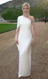Vente en gros Cate Blanchett robes de soirée blanches gaine une épaule taffetas longueur de plancher robe sexy volants élégante robe de bal fermeture éclair robe de soirée