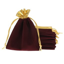 Chinese  Wholesale 25Pcs 12x15cm Velveteen Purplish Red Velvet Gold Trim Drawstring Jewelry Gift String Christmas Wedding Bags Pouches manufacturers