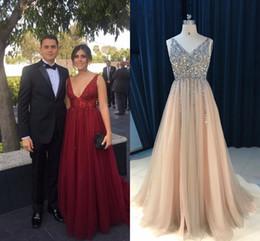 Опт Sparkly Deep V-образным вырезом жемчуга Шампанское 2021 Pageant Prom Dress Dress Red Cread Дешевые Длинные Без спинки Смотреть сквозь бисером Без спинки Tulle Вечернее платье