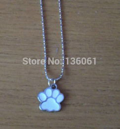 $enCountryForm.capitalKeyWord NZ - Mixed color Vintage Silver Enamel DOG CAT Paw Prints Necklace Pendant Charms Ball Chain Collar Choker Statement Jewelry For Woman