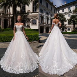 Discount modest simple corset wedding dress - 2018 Spring Modest Wedding Dresses A Line Off Shoulders Appliqued Long Bridal Gowns with Corset Back Robe de marriage