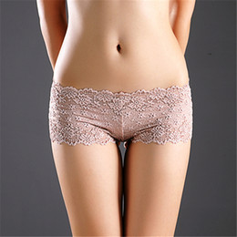 Barato Mulheres S Lingerie Transparente Íntima-Women's Erotic Lace Boy Shorts Floral Bordados Transparente Sexy Lace Hollow Out Menino Shorts Lady Breath Intimates See Through Underwear
