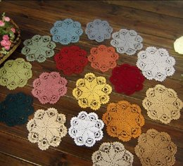 wholesale crochet mat Canada - Handmade Crocheted Doilies applique tableware Mat pad Round Vintage wedding home decoration 100PCs Coasters 18cm Beige White