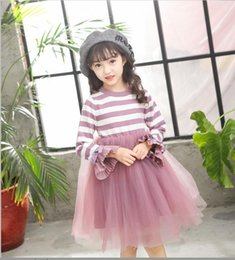 Vestidos De Princesa Púrpura Para Las Muchachas Baratos-Everweekend Kids Girls Tutu Stripes Jersey de punto Vestido Bell Sleeve Purple Color negro Autumn Spring Princess Vestido de fiesta