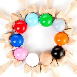 Ingrosso Il fazzoletto di legno tradizionale giapponese della pittura dell'unità di elaborazione del giocattolo dei bambini del gioco della palla professionale di Kendama per il regalo adulto 18 colori di alta qualità libera SME DHL