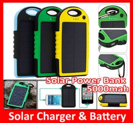 $enCountryForm.capitalKeyWord Canada - 5000mAh Solar Charger Solar Panel portable power bank for Cell phone Laptop Camera MP4 With Flashlight waterproof shockproof