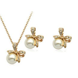 rhinestones korea UK - South Korea Butterfly Pearl Necklace Earrings Sets Gold Plated Full Rhinestone Pearl Jewelry Sets For Women Christmas Gift 1289