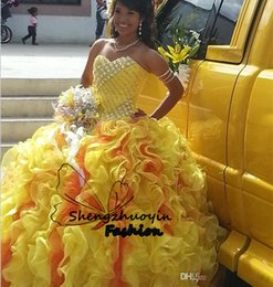 Robe Sequin Jaune Longue Pas Cher-Sexy Ball Gown Quinceanera Robes Sweetheart Neck Yellow Organza Sans manches Ruffle Sequins Lace-up Retour Long 2016 Custom Girls Adult Gowns