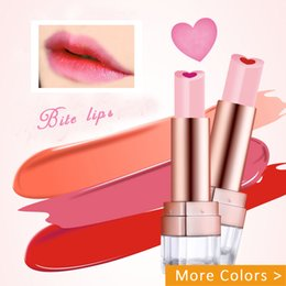 $enCountryForm.capitalKeyWord Canada - Mansly Heart-shaped Sandwich Bite Lips Lipstick Lasting Moisturizing Waterproof Lipsticks Quality Branded Cute Biting Lip Makeup