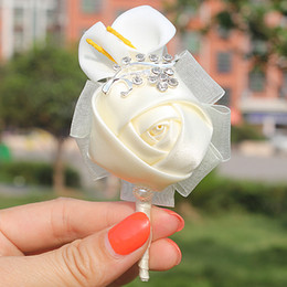 Discount roses calla lily - Hot Sale 5pcs Lot Ivory Rose Flower Pe Calla Lily Groom Boutonniere Wedding Party Man Suit Crystal Corsage Pin Satin But