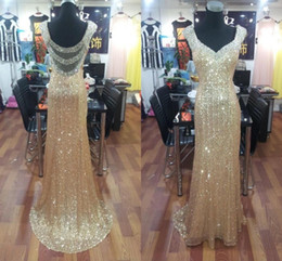 Barato Vestido Sem Alças Barato Da Sereia-Cheap Sheer Back Gold Sequined Mermaid Prom Dresses 2016 Long Sexy Backless Vestido de noite Dazzling Crystal Formal Party Gowns Real Pictures