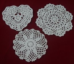 $enCountryForm.capitalKeyWord Canada - wholesale handmade Crocheted Doilies White lace cup mat vase Pad, Heart Round coaster Home & Garden 15-20 cm table mat 30PCS LOT tmh391
