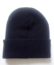 Novo 2018 entrega gratuita de moda popular marcas europeias e americanas com chapéus quentes de lã de fio preto