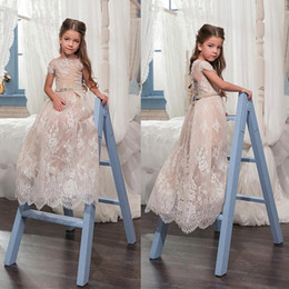 Flecos De Flores Con Cuentas Baratos-2018 Cheap Flower Girl Dresses Princess Cap Sleeves A Line Jewel Neck Beaded Sash Appliqued niñas largas formal cumpleaños primera comunión vestido