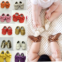 baby moccs tassel Canada - Baby Soft PU Leather Tassel Moccasins beautiful tassels girls moccs soft PU leather soft sole Baby Booties Toddler Solid Colour Tassel Shoes