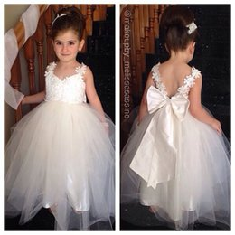 Barato Grande Vestido De Noiva-Vintage Spaghetti Flower Girls Vestidos para o casamento Pure White Lace Applique Lovely Big Bow Pretty Flower Girl Vestidos 2015 Girls Pageant Dress