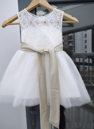 $enCountryForm.capitalKeyWord Canada - 2020 HOTIvory White Lace Girl's Wedding Christmas Father's Day Easter Flower Girl Dress Manufacturers Selling Custom Size Free Shipping