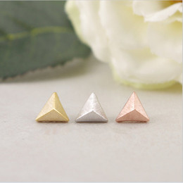 $enCountryForm.capitalKeyWord Canada - Fashion stereoscopic equilateral triangle cone stud earrings wholesale free shipping Three kinds of color Stereo feeling