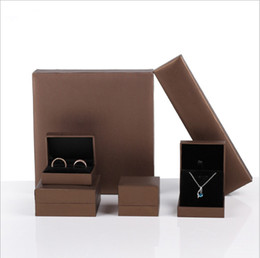 $enCountryForm.capitalKeyWord Australia - leatherette paper jewelry packaging & display ring box brown jewellry box Bracelet necklace holder case for jewelry exhibitor Free Shipping